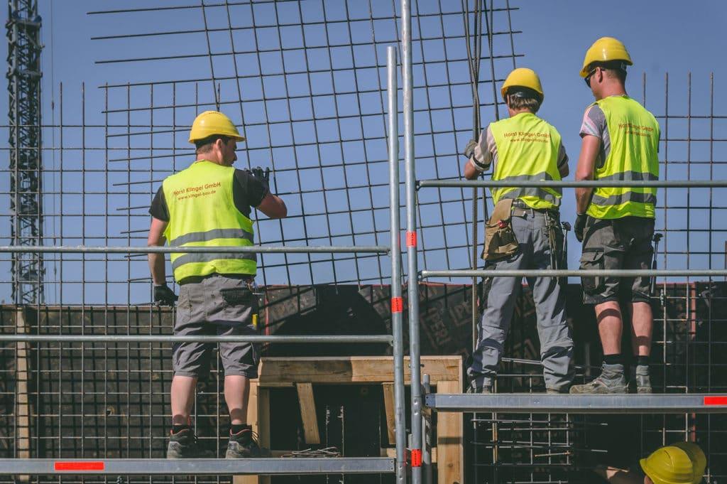 Facharbeiter bei der Arbeit - Horst Klingel GmbH