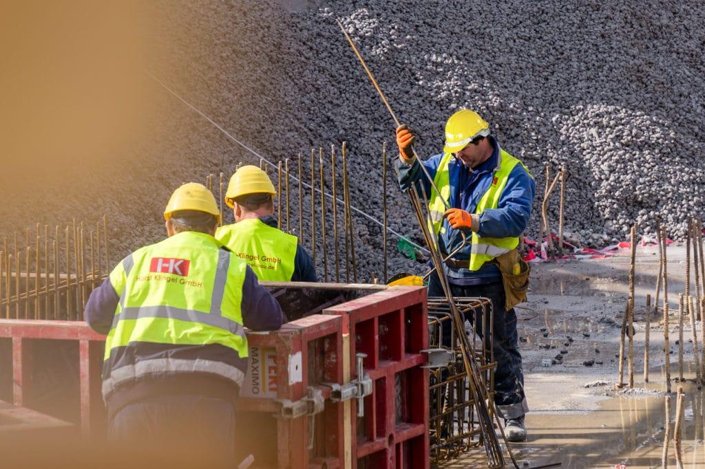 Mitarbeiter auf Baustelle - Horst Klingel GmbH